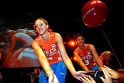 10-05-2008 VOLLEYBAL: DELA MEIDENDAG: APELDOORN<br /> Zo n 1500 meisjes woonden de teampresentatie van het Nederlands vrouwenvolleybalteam bij. De DELA meidendag werd weer een groot succes / Chaine Staelens<br /> ©2008-WWW.FOTOHOOGENDOORN.NL