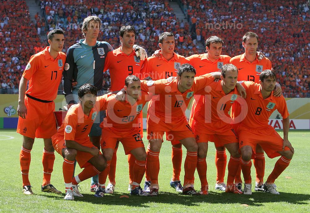 Fussball WM 2006  Gruppenspiel  Vorrunde Gruppe C  Serbien Montenegro - Holland  Teamfoto der Niederlande