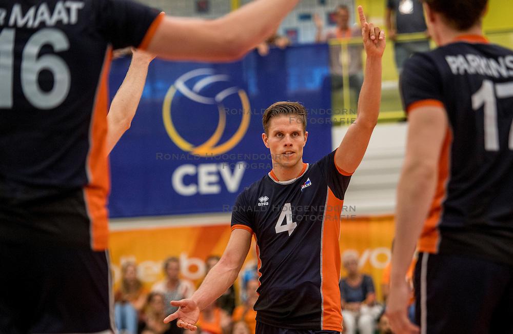 24-09-2016 NED: EK Kwalificatie Nederland - Wit Rusland, Koog aan de Zaan<br /> Nederland wint na een 2-0 achterstand in sets met 3-2 / Thijs ter Horst #4