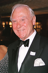 SIR CHRISTOPHER BENSON at a reception in London <br /> on 15th June 2000.OFH 62 molo<br /> © Desmond O'Neill Features:- 020 8971 9600<br />    10 Victoria Mews, London.  SW18 3PY <br /> www.donfeatures.com   photos@donfeatures.com<br /> MINIMUM REPRODUCTION FEE AS AGREED.<br /> PHOTOGRAPH BY DOMINIC O'NEILL