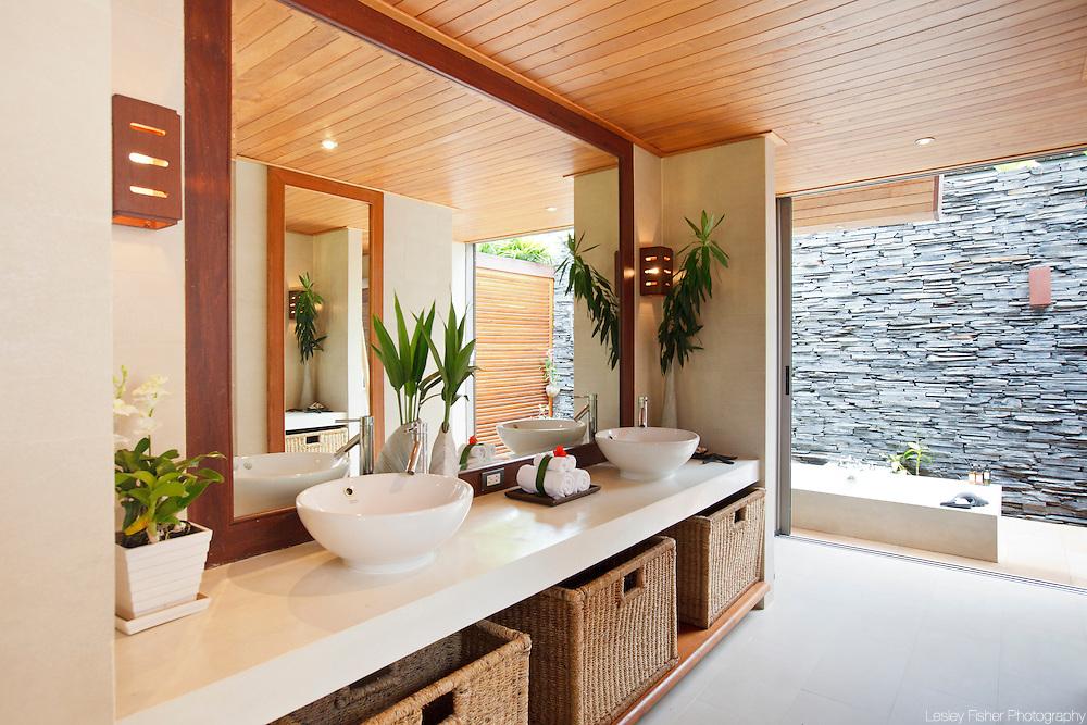 Bathroom at Baan Kilee, luxury, private villa located on Lipa Noi Beach, Koh Samui, Thailand