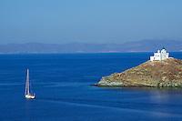 Grece, Cyclades, ile de Kea, eglise de Agios Nikolaos dans la baie de Korissia // Greece, Cyclades island, Kea island, Agios Nikolaos, Korissia bay