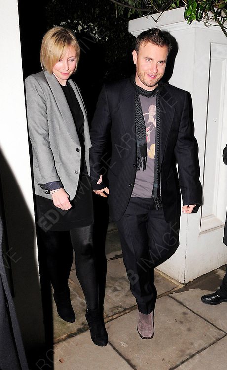 22.MARCH.2010. LONDON<br /> <br /> GARY BARLOW ARRIVING AT THE AFTERPARTY OF NEW FILM KICK-ASS WHICH WAS HELD AT HER AND HUSBAND MATTHEW VAUGHN'S HOUSE IN NOTTING HILL.<br /> <br /> BYLINE: EDBIMAGEARCHIVE.COM<br /> <br /> *THIS IMAGE IS STRICTLY FOR UK NEWSPAPERS &amp; MAGAZINES ONLY*<br /> *FOR WORLDWIDE SALES OR WEB USE PLEASE CONTACT EDBIMAGEARCHIVE - 0208 954 5968*