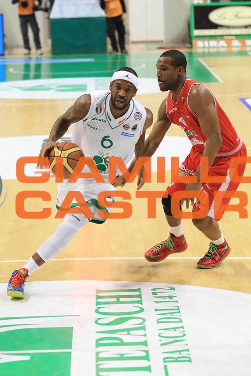 DESCRIZIONE : Siena Lega A 2012-13 Montepaschi Siena Cimberio Varese<br /> GIOCATORE : Bobby Brown<br /> CATEGORIA : penetrazione equilibrio<br /> SQUADRA : Montepaschi Siena<br /> EVENTO : Campionato Lega A 2012-2013 <br /> GARA :  Montepaschi Siena Cimberio Varese<br /> DATA : 03/02/2013<br /> SPORT : Pallacanestro <br /> AUTORE : Agenzia Ciamillo-Castoria/M.Simoni<br /> Galleria : Lega Basket A 2012-2013  <br /> Fotonotizia : Siena Lega A 2012-13 Montepaschi Siena Cimberio Varese<br /> Predefinita :