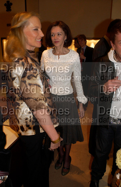 Princess Michael of Kent and Lady Barbara Black. Book party for LAST VOYAGE OF THE VALENTINA by Santa Montefiore (Hodder & Stoughton) Asprey,  New Bond St. 12 April 2005. ONE TIME USE ONLY - DO NOT ARCHIVE  © Copyright Photograph by Dafydd Jones 66 Stockwell Park Rd. London SW9 0DA Tel 020 7733 0108 www.dafjones.com