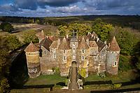 France, Yonne (89), La Puisaye, Treigny, Château de Ratilly // Europe, France, Burgundy, Yonne, La Puisaye, Treigny, Ratilly castle