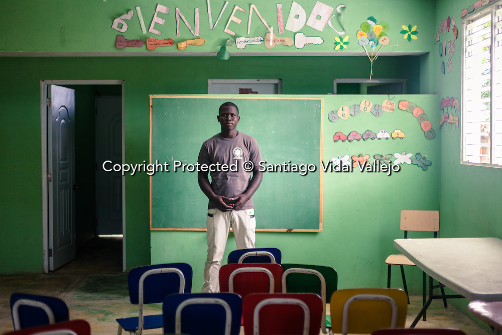Documented cases of descendants of haitian migrants, born in the Dominican Republic, that do not have access to passport nor documents and are facing deportation Editorial and Commercial Photographer based in Valencia, Spain | Portraits, Hospitality, News, Sports, Media Coverage for Events