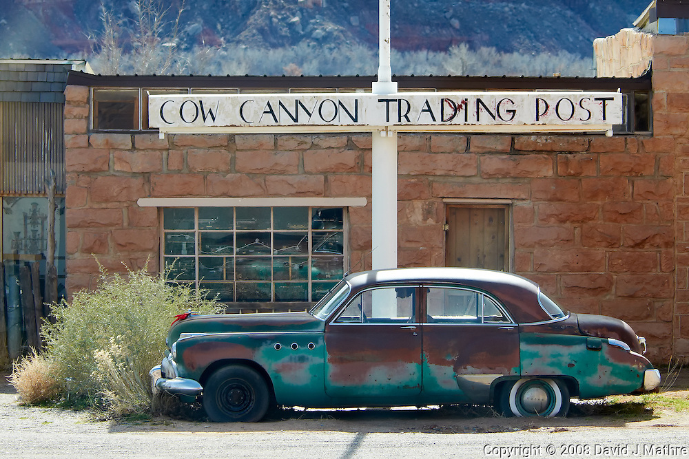 Cow Canyon Trading Post. Image taken with a Nikon D300 and 80-400 mm VR lens (ISO 200, 80 mm, f/5.6, 1/640 sec).