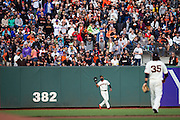 San Francisco Giants center fielder Denard Span (2) catches a fly ball against the New York Mets at AT&T Park in San Francisco, Calif., on August 21, 2016. (Stan Olszewski/Special to S.F. Examiner)