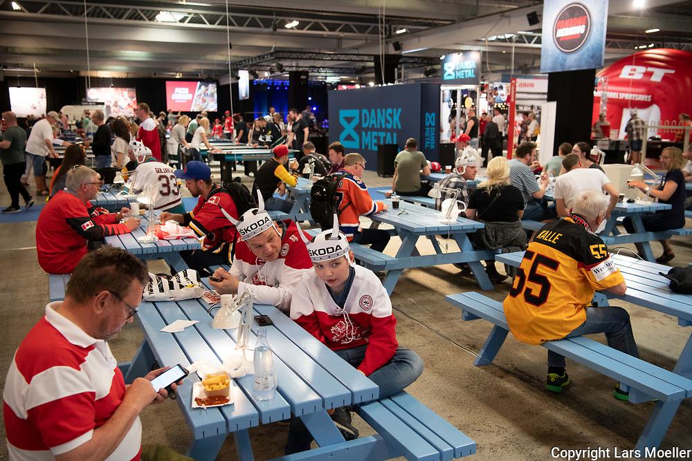 DK caption:<br /> 20180507, Herning, Danmark.<br /> IIHF Verdensmesterskabet i Ishockey. <br /> Gruppe B: Fanone<br /> Foto: Lars M&oslash;ller<br /> UK Caption:<br /> 20180505, Herning, Denmark.<br /> IIHF Ice Hockey World Championship. <br /> Group B: Fanzone<br /> Photo: Lars Moeller