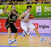 DESCRIZIONE : Lubiana Ljubliana Slovenia Eurobasket Men 2013 Preliminary Round Francia Germania France Germany<br /> GIOCATORE : Thomas Heurtel<br /> CATEGORIA : palleggio dribble<br /> SQUADRA : Francia France<br /> EVENTO : Eurobasket Men 2013<br /> GARA : Francia Germania France Germany<br /> DATA : 04/09/2013 <br /> SPORT : Pallacanestro <br /> AUTORE : Agenzia Ciamillo-Castoria/Herve Bellenger<br /> Galleria : Eurobasket Men 2013<br /> Fotonotizia : Lubiana Ljubliana Slovenia Eurobasket Men 2013 Preliminary Round Francia Germania France Germany<br /> Predefinita :