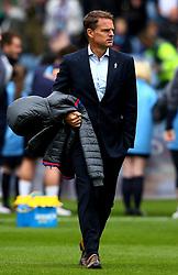 Crystal Palace manager Frank de Boer carries his coat out at Turf Moor - Mandatory by-line: Robbie Stephenson/JMP - 10/09/2017 - FOOTBALL - Turf Moor - Burnley, England - Burnley v Crystal Palace - Premier League