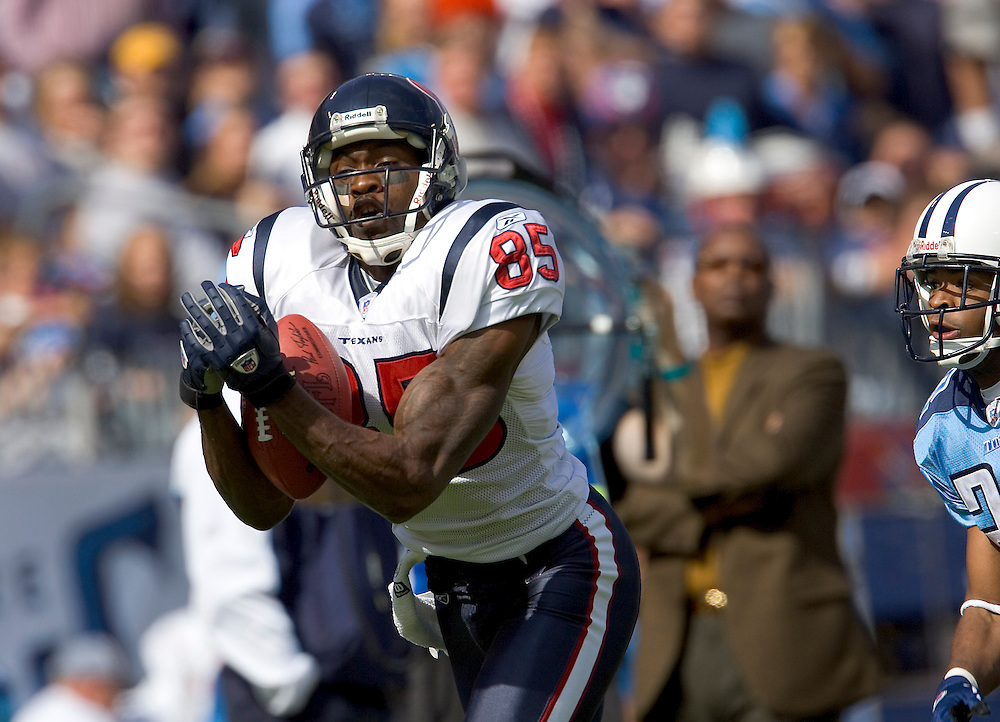 Houston Texan wide receiver Corey Bradford catches a touchdown pass during a 20 to 10 win over the Tennessee Titans on October 17, 2004 at The Coliseum in Nashville, Tennessee.