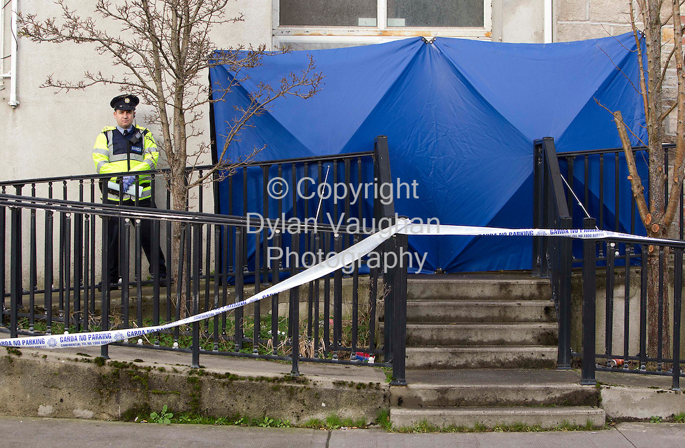 18/1/2012.Gardai pictured at the scene where a mans body was found on in the foyer of an apartment block on New Quay in Clonmel Co. Tipperary..Picture Dylan Vaughan...