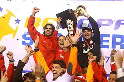 Fernandão Iarlei e Clemer comemoram o título da Recopa Sul-Americana 2007 sobre da  Pachuca do México no estádio Beira Rio, em Porto Alegre 07 de junho de 2007. FOTO: Jefferson Bernardes/Preview.com