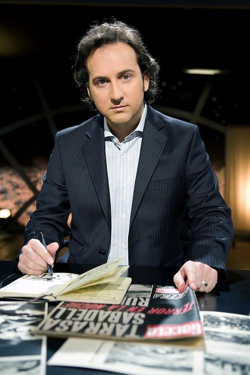 IKER JIMÉNEZ. TV journalist.