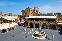 Grece, Dodecanese, Rhodes, Citadelle de Rhodes, vieille ville Palea Poli, classée Patrimoine Mondial de l'UNESCO, Place d'Hippocrate (Ipocratous) // Greece, Dodecanese, Rhodes island, Rhodes city, Unesco word heritage, Ipocratous ( hippocrates ) square