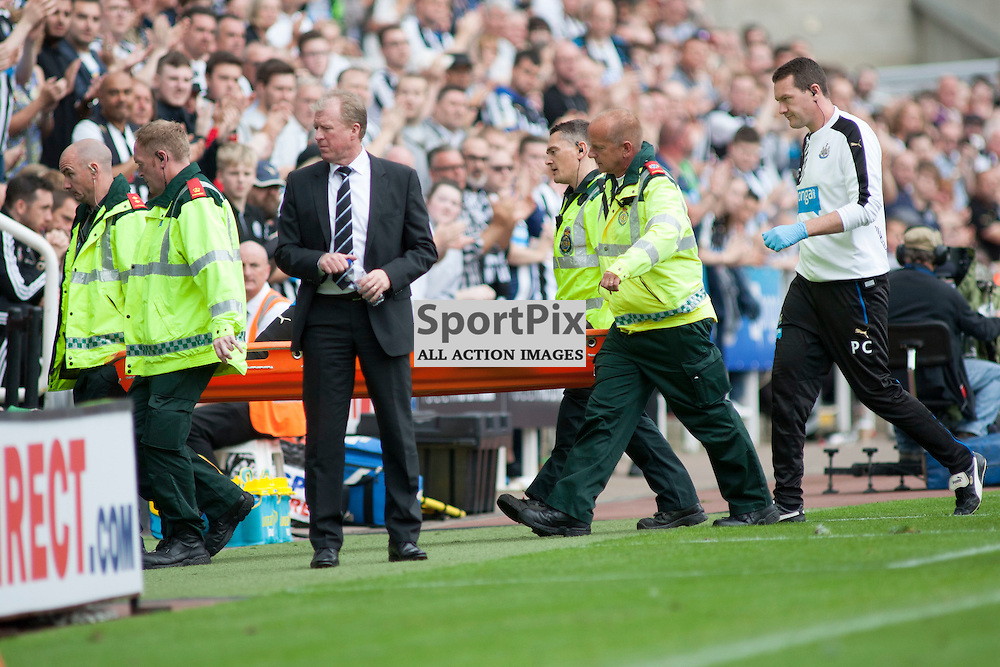 Newcastle Head Coach Steve McClaren as Vurnon Anita (NUFC 8) is stretchered off in the Newcastle United v Southampton Barclays Premier League match at St James' Park Newcastle 09 August 2015<br />