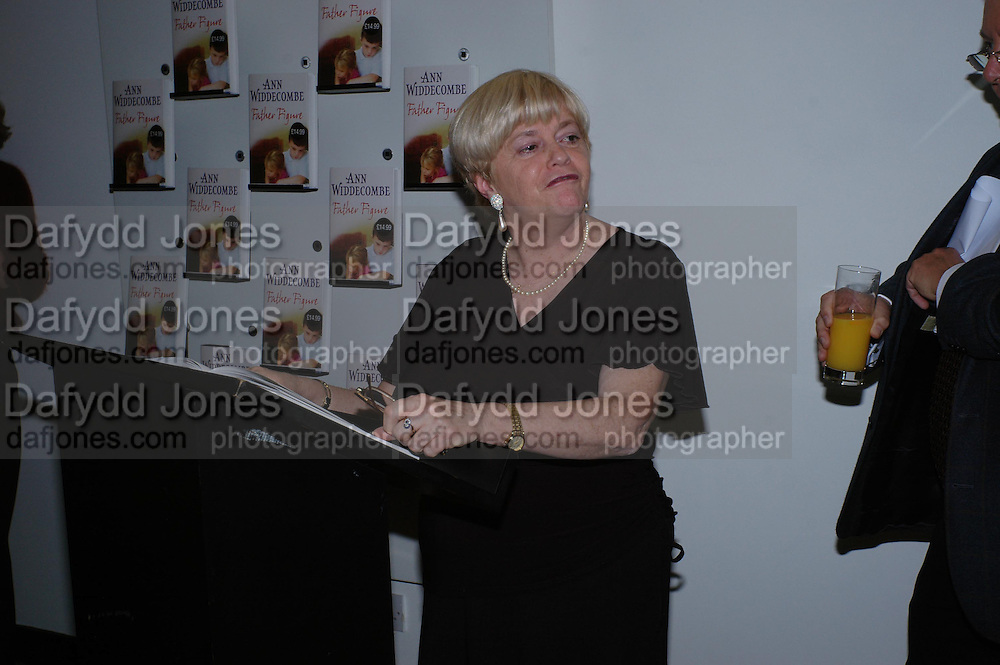 """Anne Widdecombe.  Anne Widdecombe book launch party for the publication of """"Father Figure"""", at Waterstone's Piccadilly on January 11, 2005.. ONE TIME USE ONLY - DO NOT ARCHIVE  © Copyright Photograph by Dafydd Jones 66 Stockwell Park Rd. London SW9 0DA Tel 020 7733 0108 www.dafjones.com"""