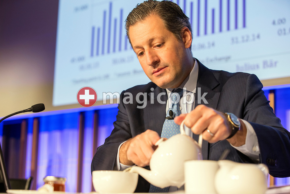 Boris F.J. Collardi, Chief Executive Officer (CEO), prepares himself a cup of tea during a press conference on the fourth quarter and full-year results 2014 of Julius Baer Group Ltd. held at the Hotel Widder in Zuerich, Switzerland, on Monday, 2 February 2015. (Photo by Patrick B. Kraemer / MAGICPBK)