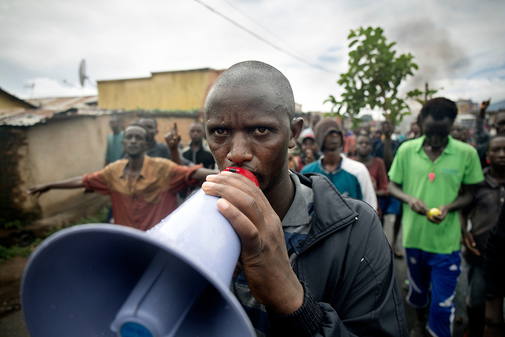 Burundi/Bujumbura 2015-05-08<br /> The protests against president Pierre Nkurunziza&rsquo;s bid for a third term have been going on since the 26th of April in the outskirts of Burundi&rsquo;s capital Bujumbura. Niyakabiga is one of the neighborhoods in Bujumbura that have seen many violent clashes between demonstrators and police.