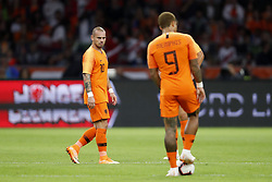 (L-R) Wesley Sneijder of Holland, Memphis Depay of Holland during the International friendly match match between The Netherlands and Peru at the Johan Cruijff Arena on September 06, 2018 in Amsterdam, The Netherlands