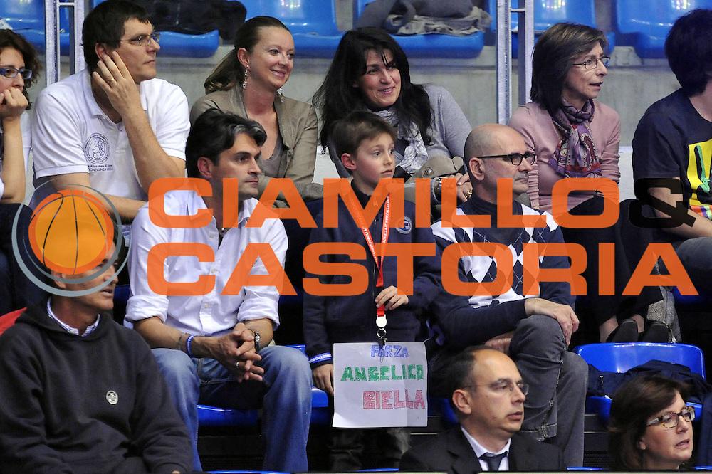 DESCRIZIONE : Biella Lega A 2011-12 Angelico Biella Otto Caserta<br /> GIOCATORE : Tifosi<br /> CATEGORIA : Tifosi<br /> SQUADRA : Angelico Biella<br /> EVENTO : Campionato Lega A 2011-2012<br /> GARA : Angelico Biella Otto Caserta<br /> DATA : 02/05/2012<br /> SPORT : Pallacanestro<br /> AUTORE : Agenzia Ciamillo-Castoria/S.Ceretti<br /> Galleria : Lega Basket A 2011-2012<br /> Fotonotizia : Biella Lega A 2011-12 Angelico Biella Otto Caserta<br /> Predefinita :