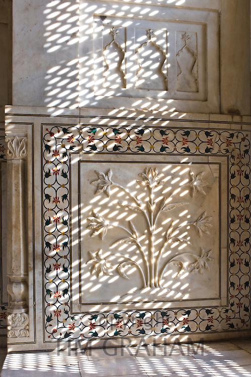 The Taj Mahal mausoleum interior by tombs of Shah Jahan and Mumtaz Mahal , Uttar Pradesh, India