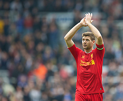 19.10.2013, St. James Park, New Castle, ENG, Premier League, ENG, Premier League, Newcastle United vs FC Liverpool, 8. Runde, im Bild Liverpool's captain Steven Gerrard applauds the travelling supporters // during the English Premier League 8th round match between Newcastle United and Liverpool FC St. James Park in New Castle, Great Britain on 2013/10/19. EXPA Pictures © 2013, PhotoCredit: EXPA/ Propagandaphoto/ David Rawcliffe<br /> <br /> *****ATTENTION - OUT of ENG, GBR*****