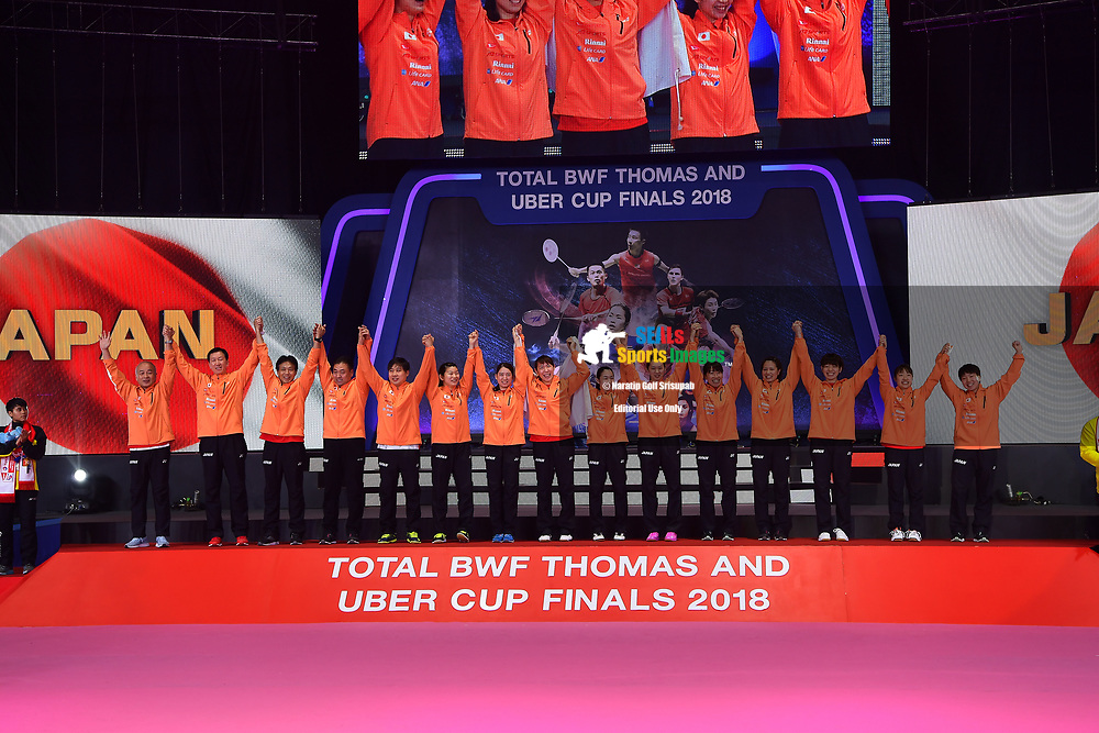 BANGKOK, THAILAND - MAY 26: Team Japan on stage for their gold medals during the Medals Presentation at the BWF Total Thomas and Uber Cup Finals 2018, Impact Arena, Bangkok, Thailand on May 26, 2018.<br /> .<br /> .<br /> .<br /> (Photo by: Naratip Golf Srisupab/SEALs Sports Images)<br /> .<br /> Any image use must include a mandatory credit line adjacent to the content which should read: Naratip Golf Srisupab/SEALs Sports Images