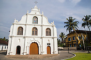 Our Lady of Hope Church, Vypeen was established by the Portuguese and was built in the year 1506