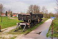 Nederland, Kerkrade , 20040408.<br /> Herdenkingsmonument voor de mijnen in Kerkrade langs de Heiweg. Oude wagons op doodlopend spoor langs de Heiweg.