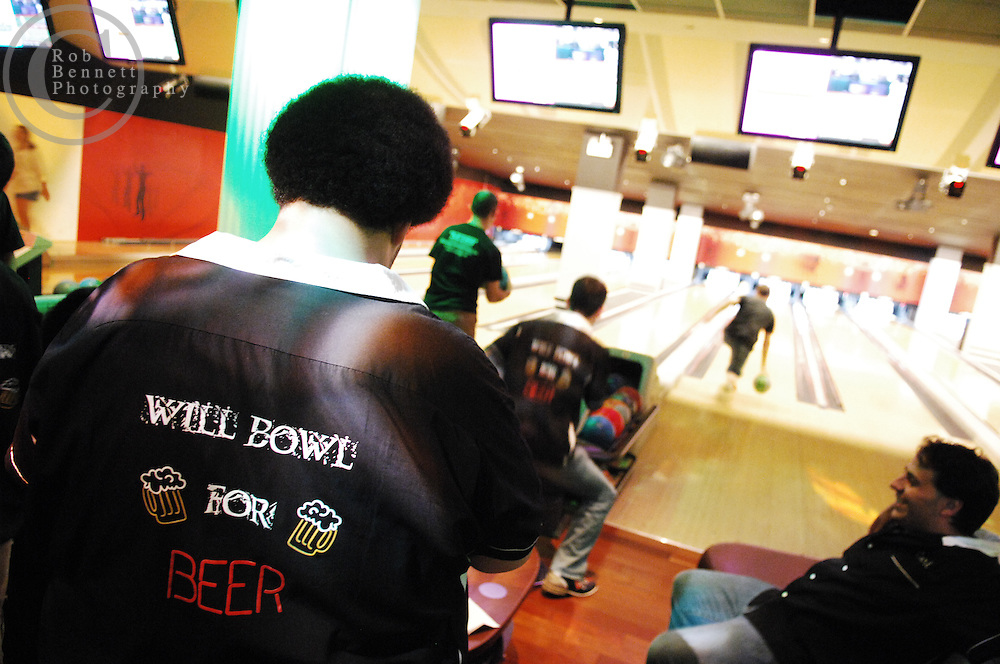 "Players on ""Drunken Bastards"" and ""Will Bowl For Beer"" are made up of ""orphans"" without teams of their own. A lot of these players are tradesmen (like carpenters...).---.New York, NY: Friday, Sept. 5, 2008 : Leisure Time Bowl at Port Authority in New York, NY: The broadway show bowling league - more than a hundred broadway actors, directors, and crew members get together every thursday night at leisure time bowl in the port authority from 11 p.m. until 2 a.m. ..NOTE: PLENTY of add'l images if need for slideshow..---.ROB BENNETT for The New York TImes"