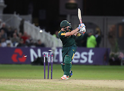 Riki Wessels of Notts Outlaws is bowled out by Clint McKay of Leicestershire Foxes (Not Pictured) - Mandatory by-line: Jack Phillips/JMP - 29/07/2016 - CRICKET - Trent Bridge - Nottingham, United Kingdom - Nottingham Outlaws v Leicester Foxes - Natwest T20 Blast