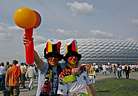 Photo: Glyn Thomas.<br />Germany v Costa Rica. Group A, FIFA World Cup 2006. 09/06/2006.<br /> German fans wait for the opening match to kick off at the Allianz Arena in Munich.