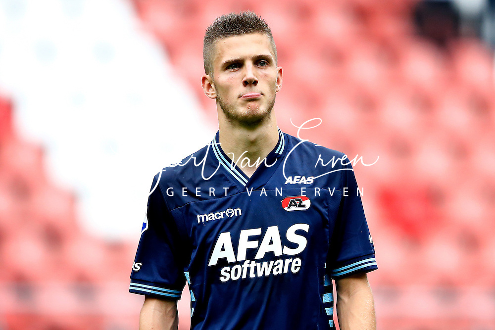 Onderwerp/Subject: FC Utrecht v AZ Alkmaar - Eredivisie<br /> Reklame:  <br /> Club/Team/Country: <br /> Seizoen/Season: 2013/2014<br /> FOTO/PHOTO: Jeffrey GOUWELEEUW of AZ Alkmaar dejected after the match ( 2 - 0 ). (Photo by PICS UNITED)<br /> <br /> Trefwoorden/Keywords: <br /> #03 #09 $94 &plusmn;1371811811150<br /> Photo- &amp; Copyrights &copy; PICS UNITED <br /> P.O. Box 7164 - 5605 BE  EINDHOVEN (THE NETHERLANDS) <br /> Phone +31 (0)40 296 28 00 <br /> Fax +31 (0) 40 248 47 43 <br /> http://www.pics-united.com <br /> e-mail : sales@pics-united.com (If you would like to raise any issues regarding any aspects of products / service of PICS UNITED) or <br /> e-mail : sales@pics-united.com   <br /> <br /> ATTENTIE: <br /> Publicatie ook bij aanbieding door derden is slechts toegestaan na verkregen toestemming van Pics United. <br /> VOLLEDIGE NAAMSVERMELDING IS VERPLICHT! (&copy; PICS UNITED/Naam Fotograaf, zie veld 4 van de bestandsinfo 'credits') <br /> ATTENTION:  <br /> &copy; Pics United. Reproduction/publication of this photo by any parties is only permitted after authorisation is sought and obtained from  PICS UNITED- THE NETHERLANDS