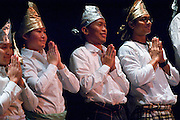 ISU Talent Show..TaRi Indang (traditional Indonesian Dance) Performed by PERMIAS(Indonesian Student Association)..Abdul Muluk.....Come join students, faculty, and community members in watching the performances of this year's International Student Union Talent Show. There will be songs, dances, and other cultural performances to entertain and make for a wonderful night. Come and support your talented friends at OU! A reception will follow.