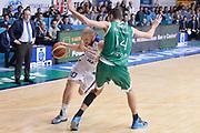 DESCRIZIONE : Cantu' campionato serie A 2013/14 Acqua Vitasnella Cantu' Montepaschi Siena<br /> GIOCATORE : Maarten Leunen<br /> CATEGORIA : palleggio penetrazione<br /> SQUADRA : Acqua Vitasnella Cantu'<br /> EVENTO : Campionato serie A 2013/14<br /> GARA : Acqua Vitasnella Cantu' Montepaschi Siena<br /> DATA : 24/11/2013<br /> SPORT : Pallacanestro <br /> AUTORE : Agenzia Ciamillo-Castoria/R.Morgano<br /> Galleria : Lega Basket A 2013-2014  <br /> Fotonotizia : Cantu' campionato serie A 2013/14 Acqua Vitasnella Cantu' Montepaschi Siena<br /> Predefinita :