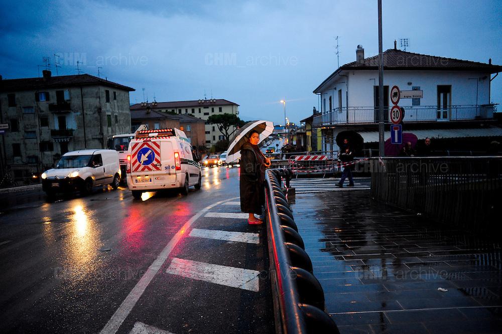 Carrara.Esondazione del torrente Carrione. Il punto dove ha ceduto l'argine.<br />  Carrara, gioved&igrave; 6 novembre 2014 . Daniele Stefanini /  OneShot