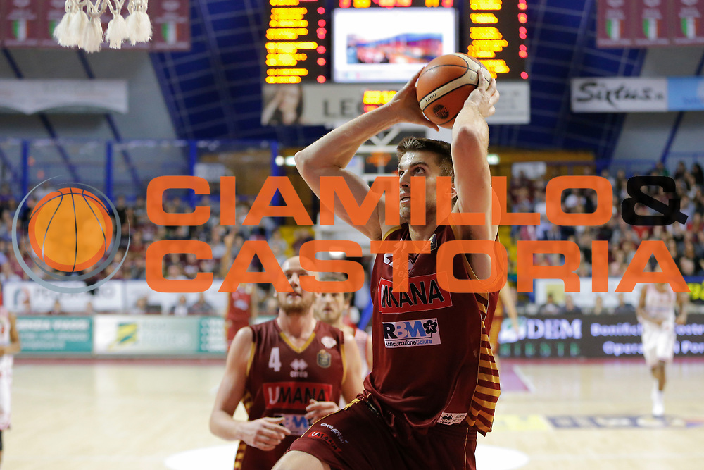 Jeff Viggiano<br /> Umana Reyer Venezia - Consultinvest Pesaro<br /> Lega Basket Serie A 2016/2017<br /> Venezia 05/03/2017<br /> Foto Ciamillo-Castoria