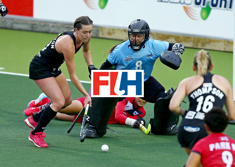 New Zealand, Auckland - 18/11/17  <br /> Sentinel Homes Women&rsquo;s Hockey World League Final<br /> Harbour Hockey Stadium<br /> Copyrigth: Worldsportpics, Rodrigo Jaramillo<br /> Match ID: 10295 - NZL vs KOR<br /> Photo: (13) CHARLTON Samantha&nbsp;(C) and (8) RUTHERFORD Sally&nbsp;(GK)