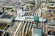 Nederland, Utrecht, Utrecht, 28-09-2014; Ontwikkeling van het Stationsgebied Utrecht - CU2030. Links naast de nieuwe overkapping het stadskantoor, rechts Hoog Catherijne en Catherijensingel.<br /> Developement of the new Station Area Utrecht.<br /> luchtfoto (toeslag op standard tarieven);<br /> aerial photo (additional fee required);<br /> copyright foto/photo Siebe Swart