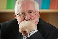 22 AUG 2014, BERLIN/GERMANY:<br /> Bernhard Vogel, CDU, Ministerpraesident von Thueringen und Rheinland-Pfalz a.D., waehrend einem Interview, Konrad-Adenauer-Stiftung<br /> IMAGE: 20140822-01-016