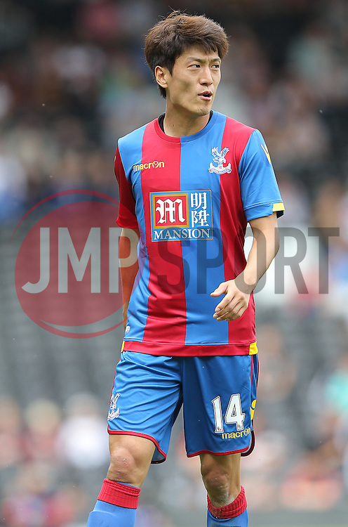 Lee Chung-Yong of Crystal Palace - Mandatory by-line: Paul Terry/JMP - 07966386802 - 01/08/2015 - SPORT - FOOTBALL - Fulham,England - Craven Cottage - Fulham v Crystal Palace - Pre-Season Friendly