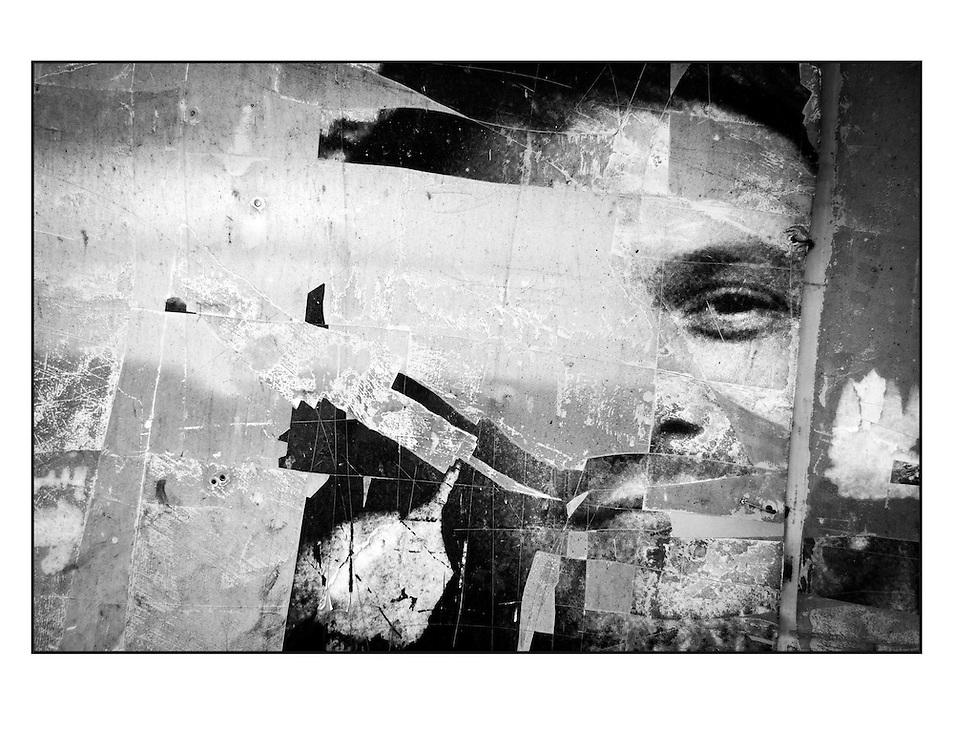 """Autor de la Obra: Aaron Sosa<br /> Título: """"Serie: Desde el Autoexilio""""<br /> Lugar: Ciudad de Panamá - Panamá<br /> Año de Creación: 2011<br /> Técnica: Captura digital en RAW impresa en papel 100% algodón Ilford Galeríe Prestige Silk 310gsm<br /> Medidas de la fotografía: 33,3 x 22,3 cms<br /> Medidas del soporte: 45 x 35 cms<br /> Observaciones: Cada obra esta debidamente firmada e identificada con """"grafito – material libre de acidez"""" en la parte posterior. Tanto en la fotografía como en el soporte. La fotografía se fijó al cartón con esquineros libres de ácido para así evitar usar algún pegamento contaminante.<br /> <br /> Precio: Consultar<br /> Envios a nivel nacional  e internacional."""