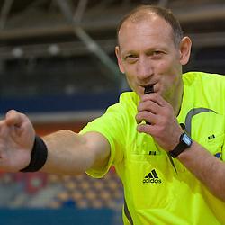 20090410: Handball - Referee's signs