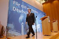 """02 DEC 2002, BERLIN/GERMANY:<br /> Gerhard Schroeder, SPD, Bundeskanzler, Pressekonferenz zur vorangegangenen Sitzung des SPD Praesidiums vor dem Schriftzug """"Fuer ein modernes Deutschland"""", Willy-Brandt-Haus<br /> IMAGE: 20021202-02-024<br /> KEYWORDS: Gerhard Schröder"""