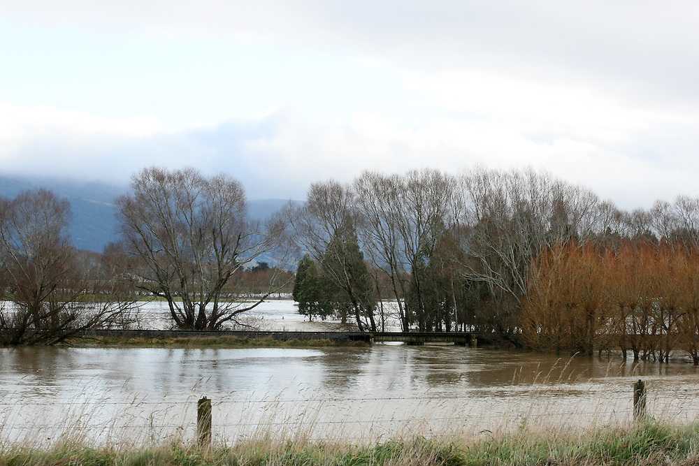 Farmland between Waihola and Dunedin in flood after heavy rainfall, New Zealand, Thursday, June 04, 2015. Credit: SNPA/Dianne Manson