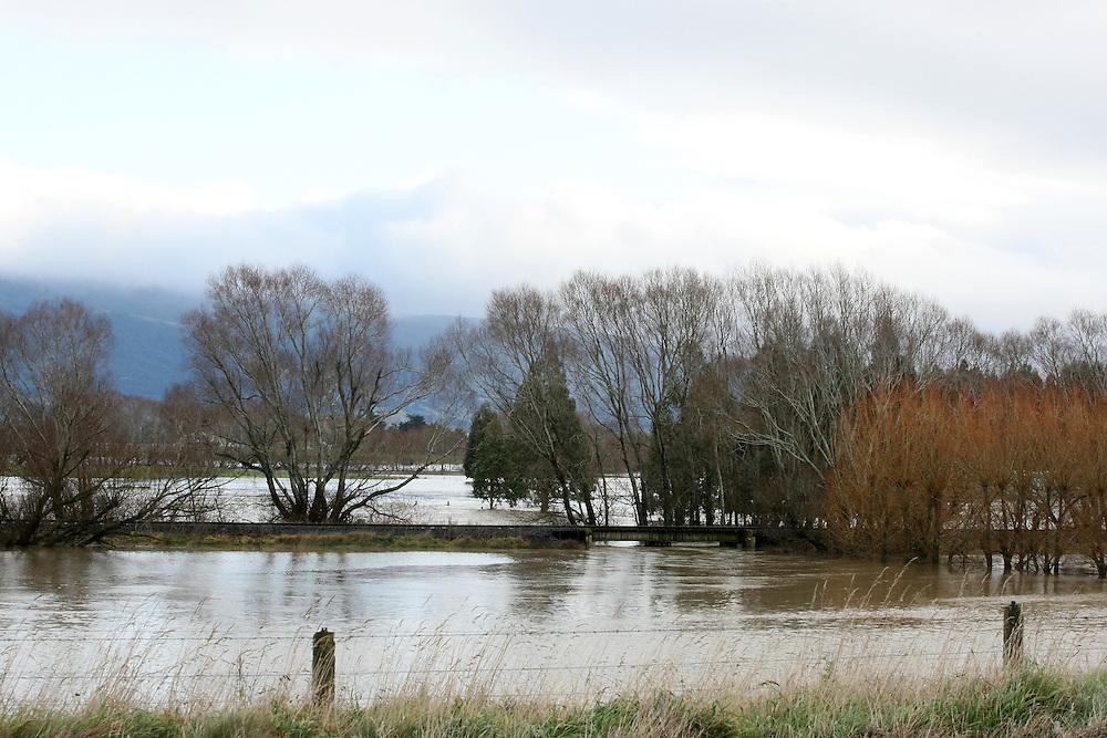 Farmland between Waihola and Dunedin in flood after heavy rainfall, New Zealand, Thursday, June 04, 2015. Credit: SNPA/Dianne Manson