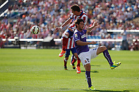 Atletico de Madrid´s Mandzukic (L) and Espanyol´s Colotto during 2014-15 La Liga Atletico de Madrid V Espanyol match at Vicente Calderon stadium in Madrid, Spain. October 19, 2014. (ALTERPHOTOS/Victor Blanco)